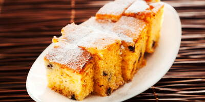 Poke cake: the sweet that is filled with a clever method and that everyone likes