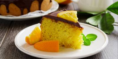 Orange juice and cream cake: very soft and rich in vitamin C